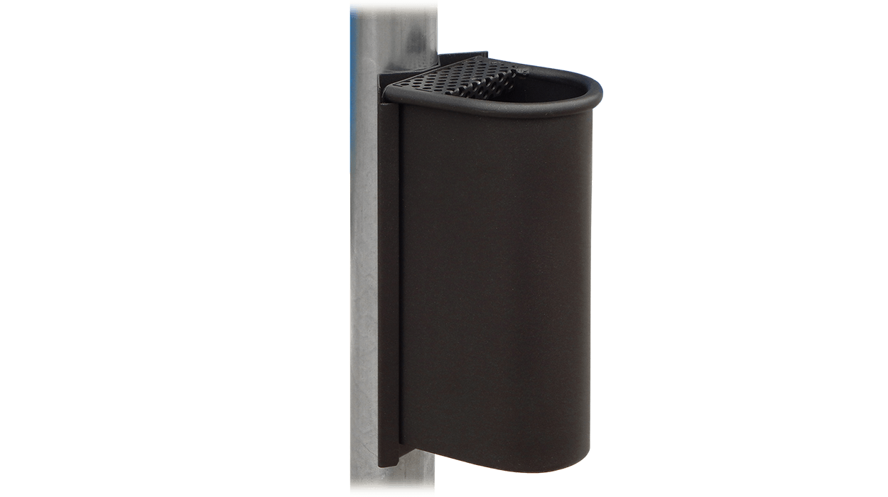 Posacenere con attacco a palo esistente realizzato in for Posacenere da esterno ikea