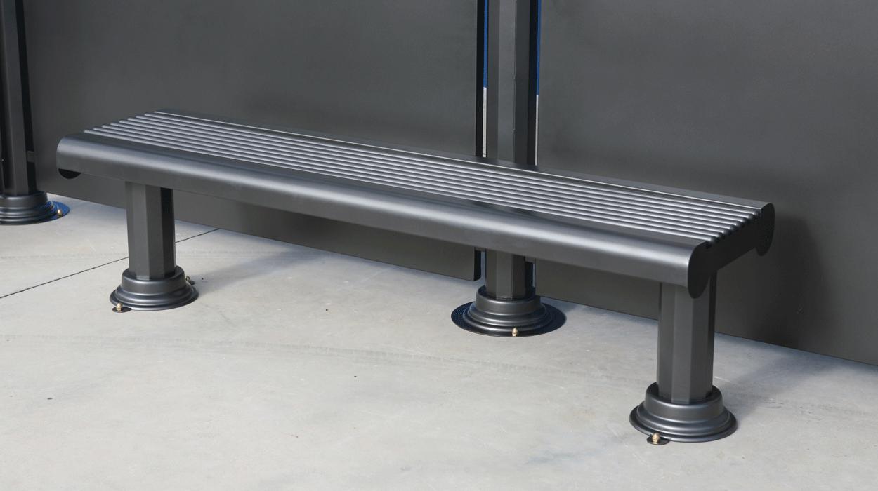 Pensilina in metallo con panchina e bacheca per attesa for Dimcar arredo urbano